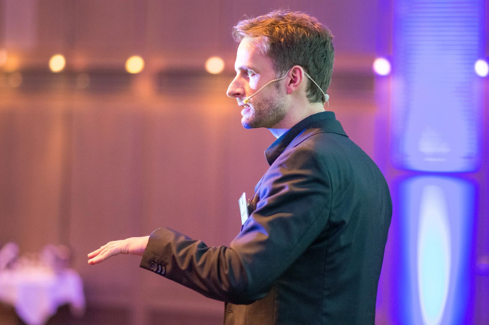 Sebastian Bronner, Speaker, Redner, Experte für Mentale Stärke, Unterbewusstsein und Stressmanagement